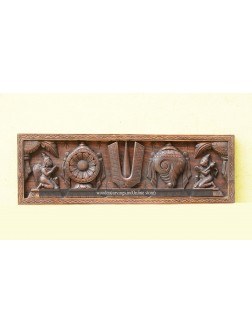 Shanku, Naamam, Chakra with Maruti and Garuda Wall Mounts