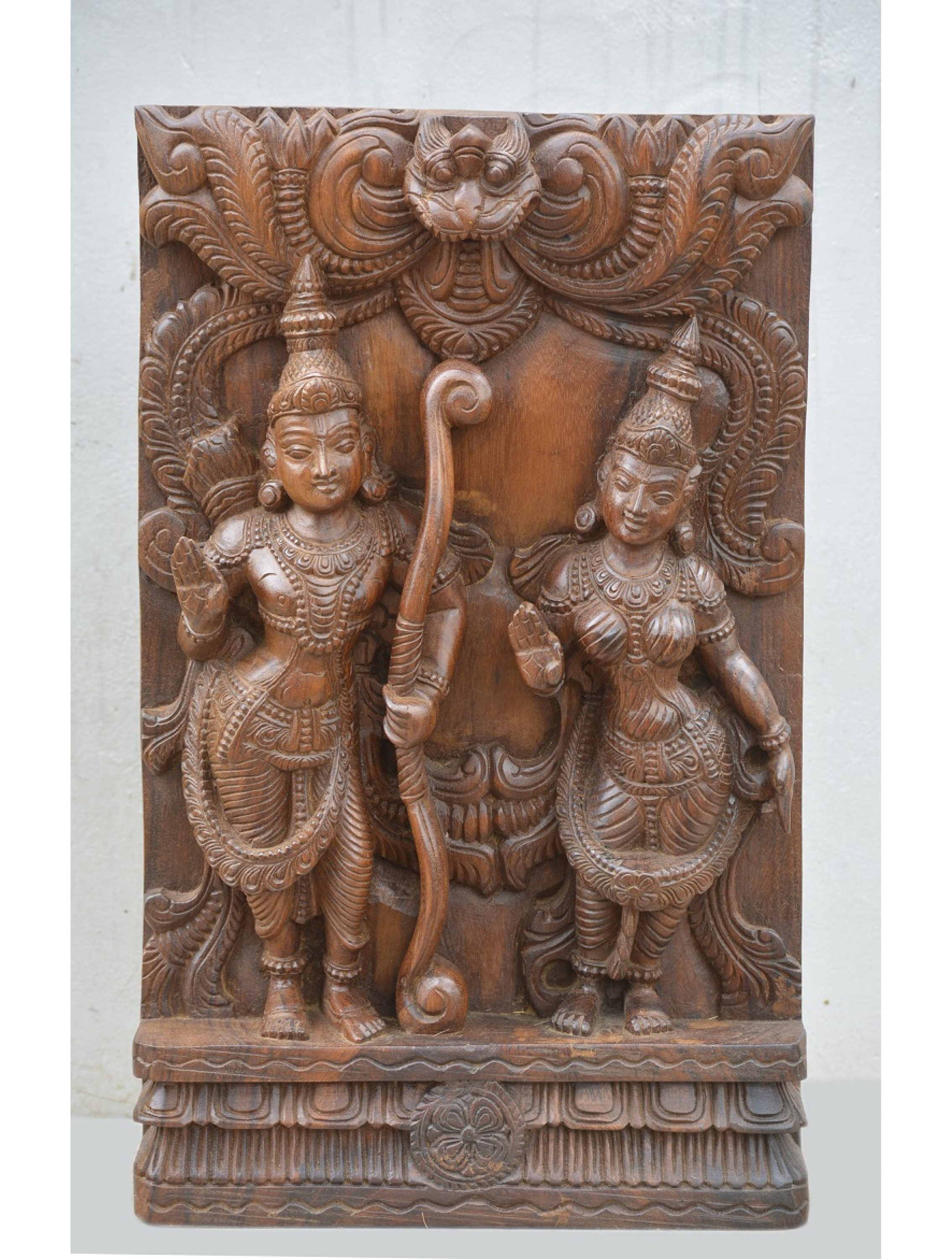 Ram,Sita Wooden Sculpture with Naasithalai